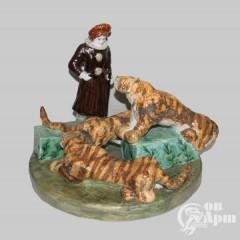 """Скульптурная композиция """"Укротительница тигров"""""""